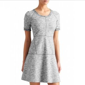 Athleta gray fit flare En Route dress size M tall